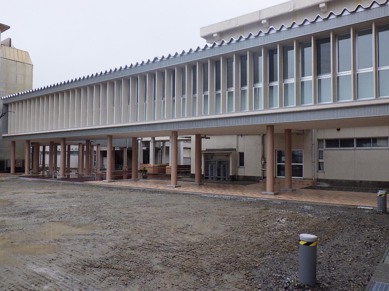 2015年 県立魚津工業高校渡り廊下新築工事